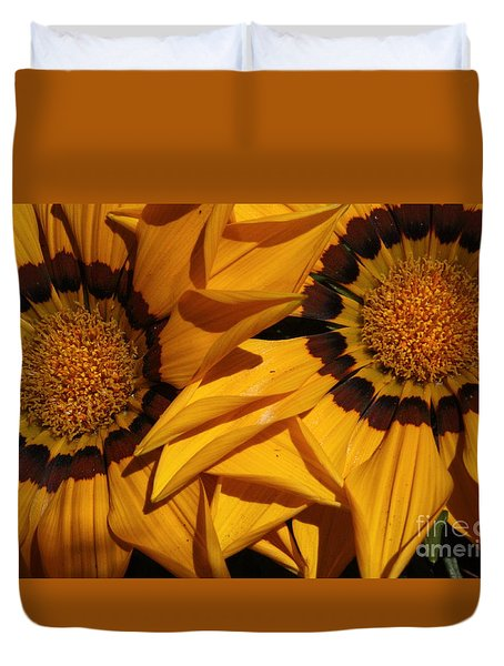 Duvet Cover featuring the photograph Making A Point by Brian Boyle