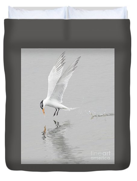 Duvet Cover featuring the photograph Making A Tern by Ruth Jolly