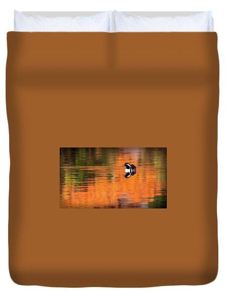 Male Hooded Merganser In Autumn Duvet Cover