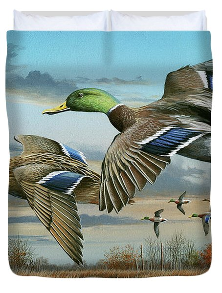 Mallards In Flight Duvet Cover