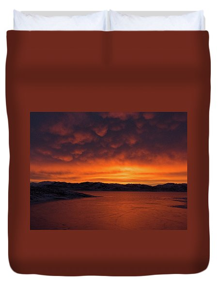Mamantus Clouds Over Wildhorse Reservoir, Nv Duvet Cover