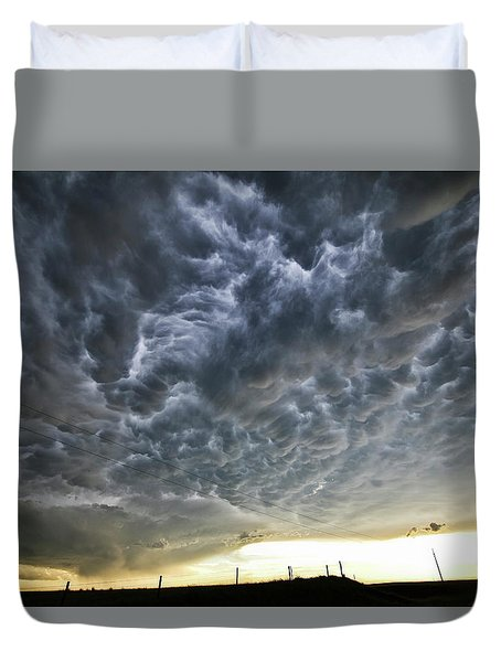 Mammatus Over Nebraska Duvet Cover