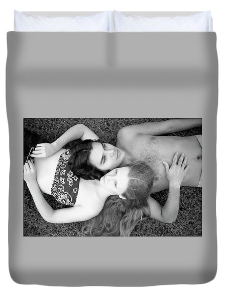 Man And Woman, Head-to-head, 1973 Duvet Cover