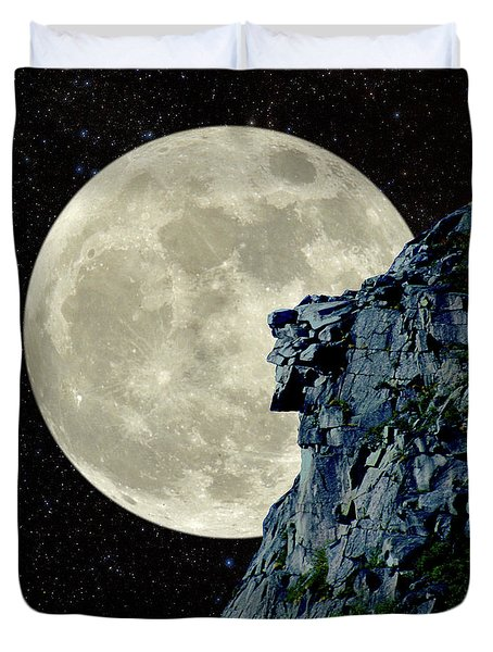 Man In The Moon Meets Old Man Of The Mountain Vertical Duvet Cover by Larry Landolfi