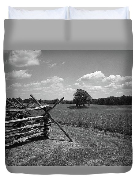 Duvet Cover featuring the photograph Manassas Battlefield Bw by Frank Romeo