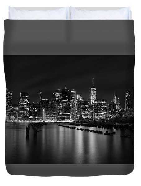 Manhattan At Night In Black And White Duvet Cover by Andres Leon