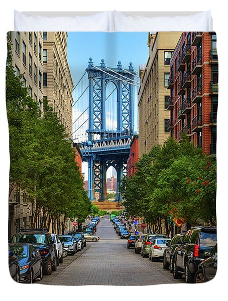 Duvet Cover featuring the photograph Manhattan Bridge by Emmanuel Panagiotakis