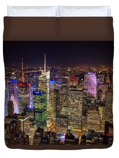 Duvet Cover featuring the photograph Manhattan by Ross Henton