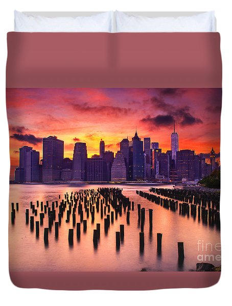Duvet Cover featuring the photograph Manhattan Sunset by Rima Biswas