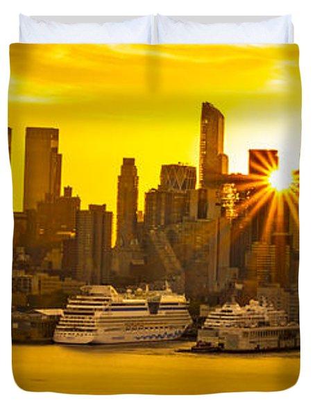 Manhattan's Ports At Sunrise Duvet Cover