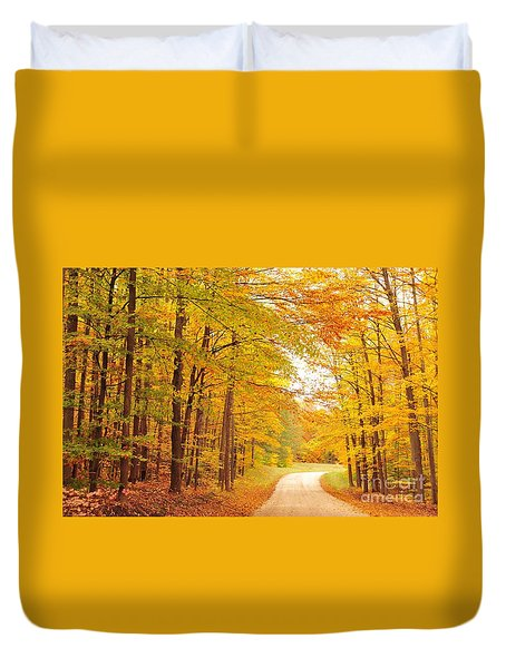 Manisee National Forest In Autumn Duvet Cover