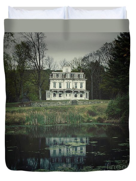 Mansion Reflected At Waterloo Duvet Cover