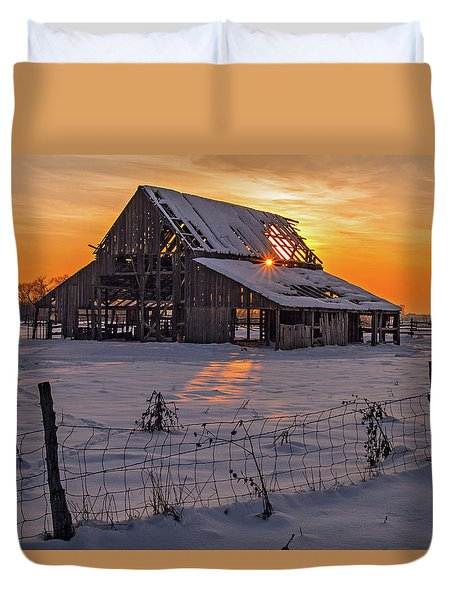 Mapleton Barn Duvet Cover