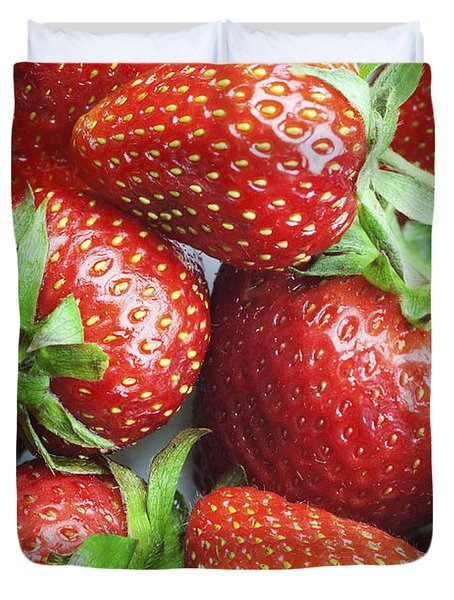 Duvet Cover featuring the photograph Marco View Of Strawberries by Paul Ge