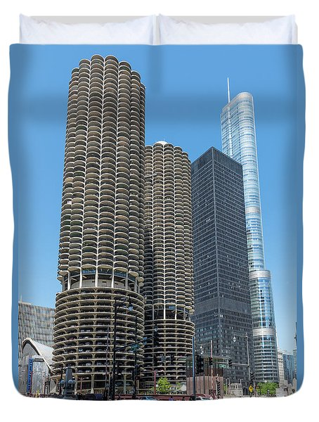 Marina City, Ama Plaza, And Trump Tower Duvet Cover