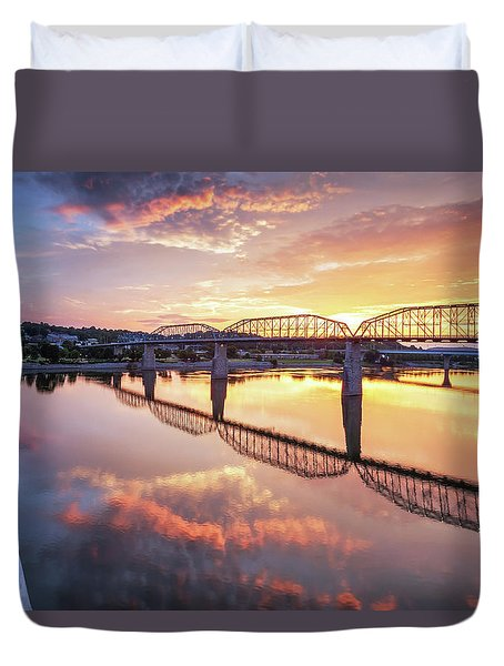 Market Street Jog At Sunrise Duvet Cover