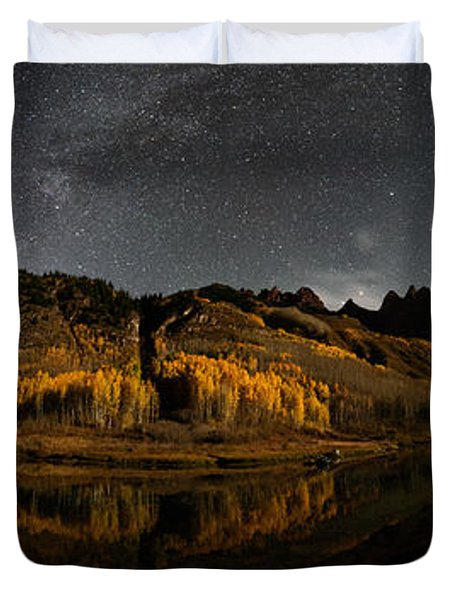 Maroon Lake Milky Way Panorama Duvet Cover