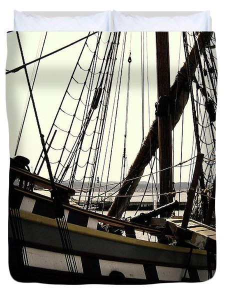 Master And Commander V2 Duvet Cover by Douglas Barnard