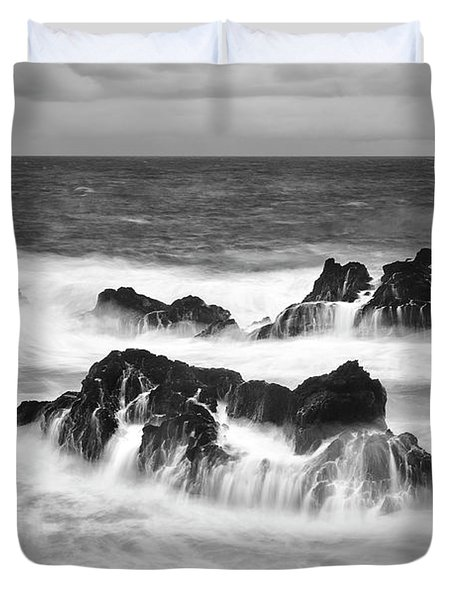 Maui In Turmoil Duvet Cover