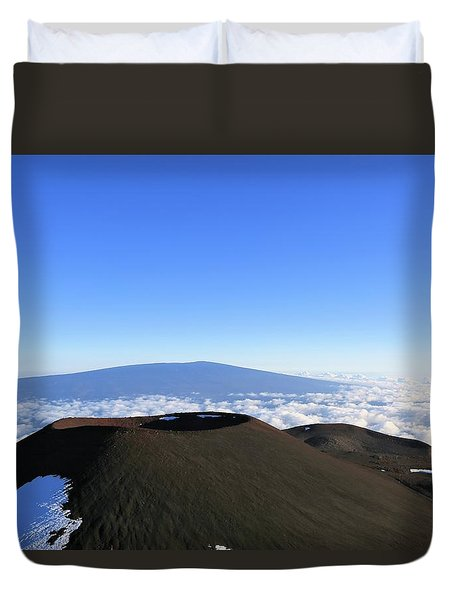 Mauna Loa In The Distance Duvet Cover