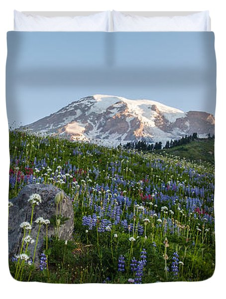 Meadows Of Glory Duvet Cover
