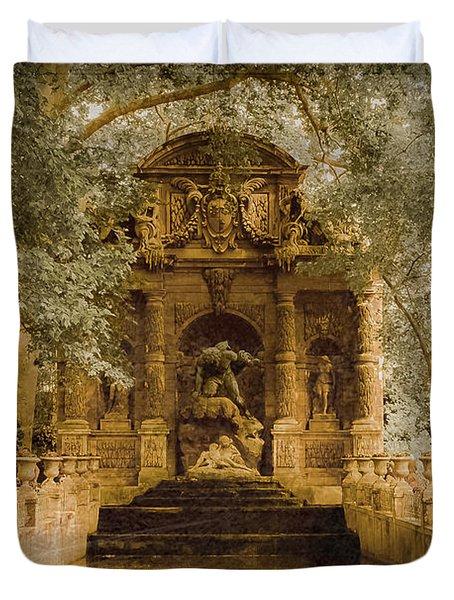 Paris, France - Medici Fountain Oldstyle Duvet Cover