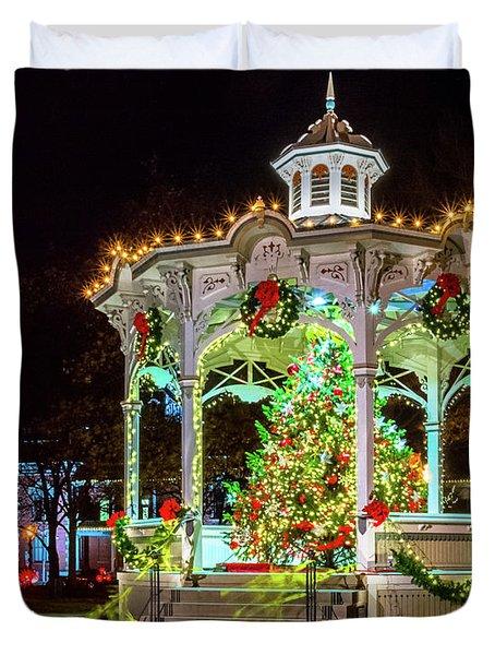 Medina, Ohio Christmas On The Square. Duvet Cover