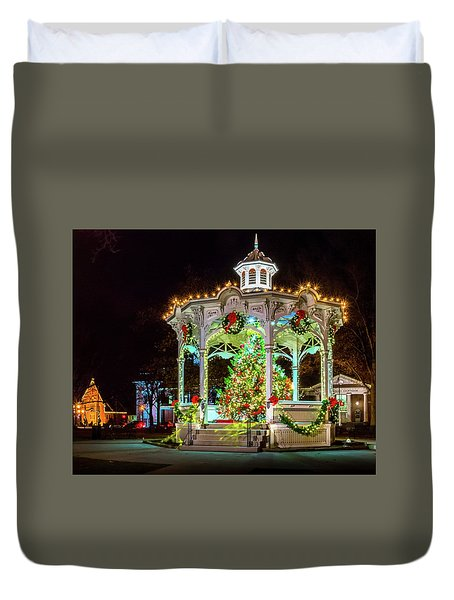 Medina, Ohio Christmas On The Square. Duvet Cover