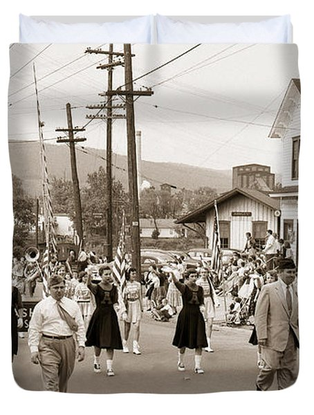 Memorial Day Parade Ashley Pa With Train Station And The Huber Colliery In Background 1955 Duvet Cover