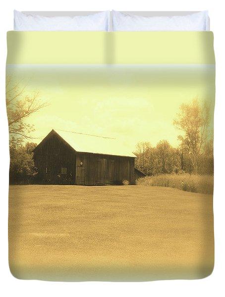 Memories Of Long Ago - Barn Duvet Cover by Susan Lafleur