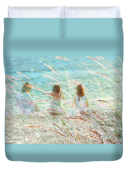 Duvet Cover featuring the photograph Merienda by Alfonso Garcia