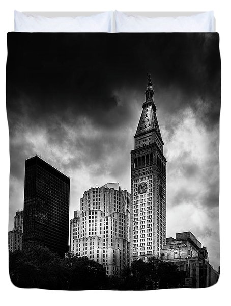 Duvet Cover featuring the photograph Met-life Tower by Marvin Spates