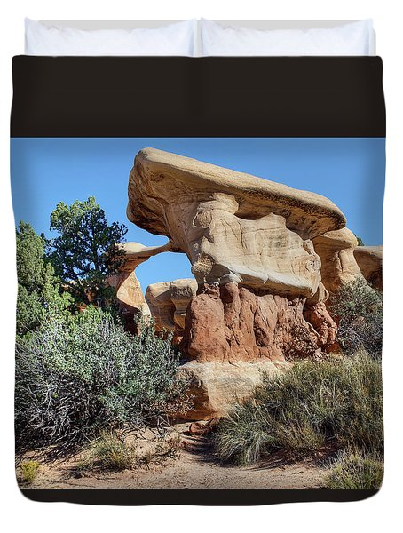 Duvet Cover featuring the photograph Metate Arch - Devils Garden by Nikolyn McDonald