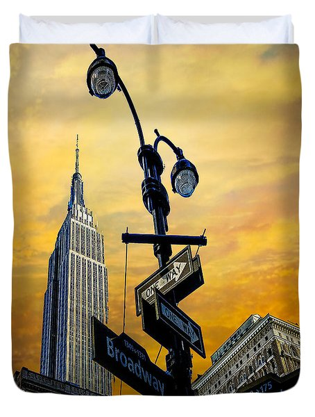 Duvet Cover featuring the photograph Midtown Sunset by Chris Lord