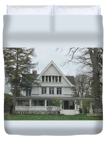 Duvet Cover featuring the photograph Midwest Living by Kathie Chicoine