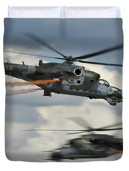Duvet Cover featuring the photograph Mil Mi-24v Hind E by Tim Beach