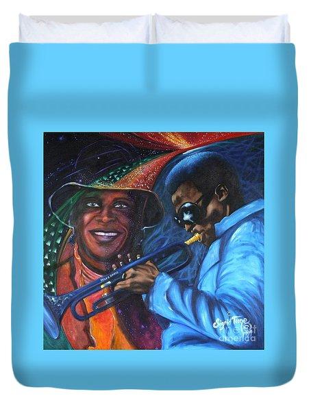 Blaa Kattproduksjoner            Miles Davis - Smiling Duvet Cover