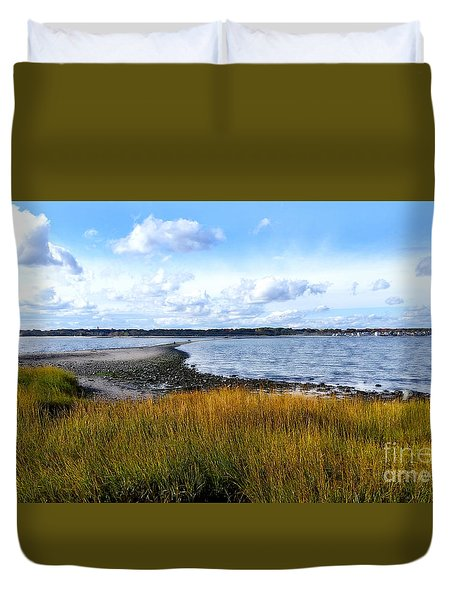 Duvet Cover featuring the photograph Milford Island by Raymond Earley