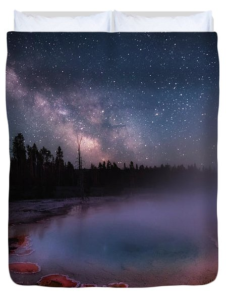 Milky Way In Yellowstone Duvet Cover