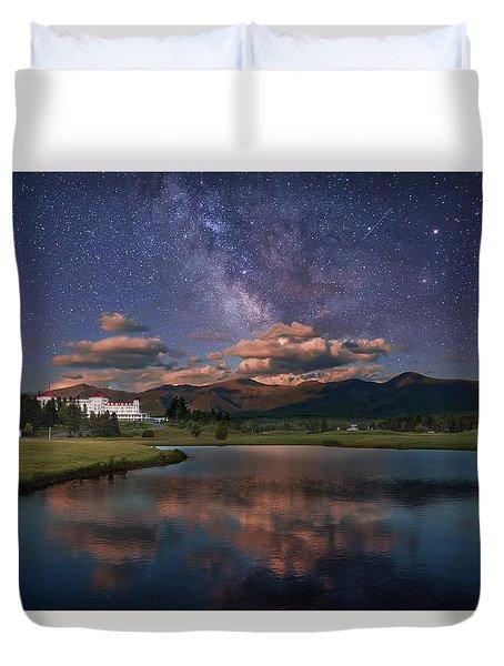 Milky Way Over The Omni Mount Washington Duvet Cover