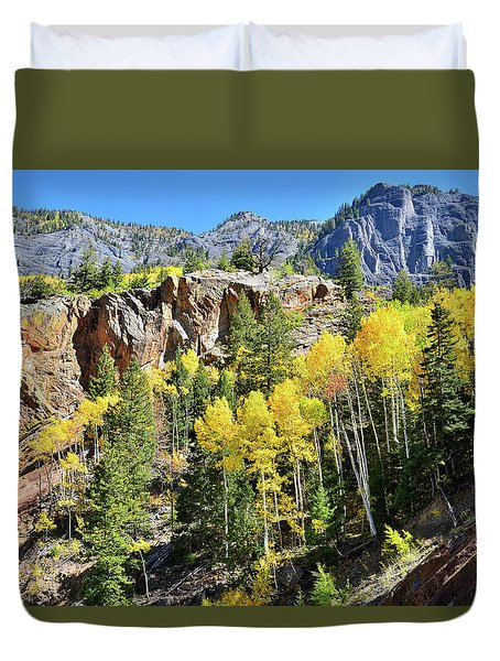 Duvet Cover featuring the photograph Million Dollar Highway 550 by Ray Mathis