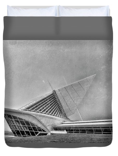 Duvet Cover featuring the photograph Milwaukee Museum Of Art Special 2 by David Haskett