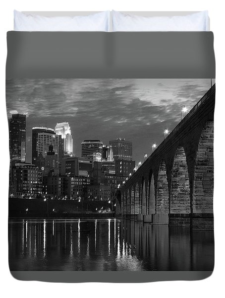 Minneapolis Stone Arch Bridge Bw Duvet Cover