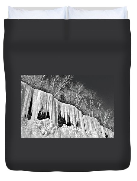 Minnesota Icicles Duvet Cover