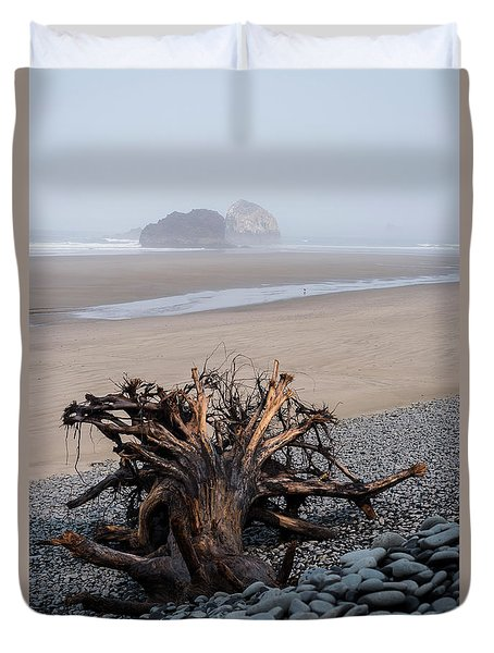 Minus Tide At Arch Cape Duvet Cover