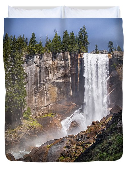 Mist Trail And Vernal Falls Duvet Cover