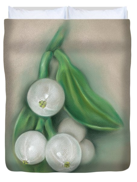 Mistletoe Berries Duvet Cover