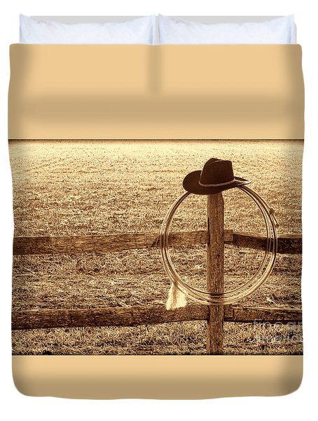 Misty Morning At The Ranch Duvet Cover