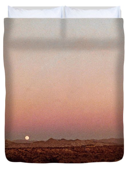 Duvet Cover featuring the digital art Mojave Sunset by Walter Chamberlain