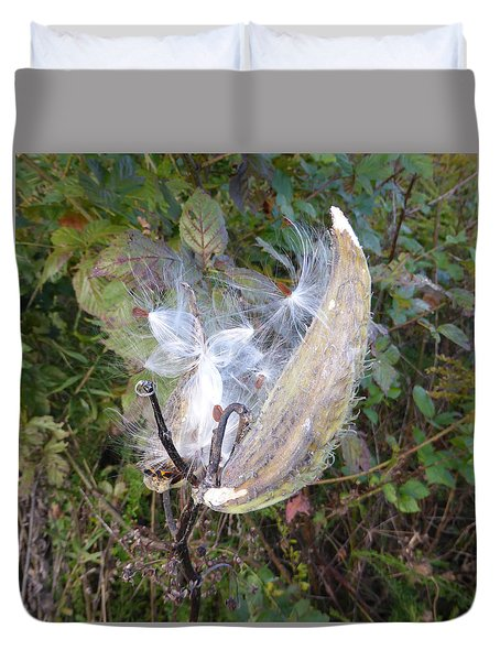 Duvet Cover featuring the photograph Moment In The Life Of A Milkweed by Joel Deutsch